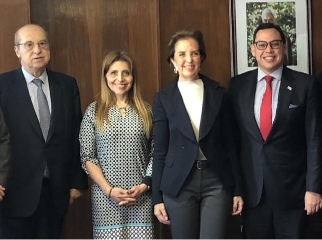 Presidente de la AIR y el presidente de la FMCS se reúnen con la ministra Gloria Hutt